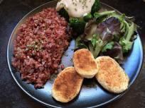 croquettes de pomme de terre, riz rouge, brocoli et sauce béchamel : Soledad Yebrin